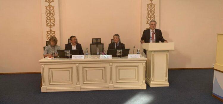 Президент КАРМ Профессор. В.Н. Локшин провел лекцию о ВРТ в своей Alma Mater